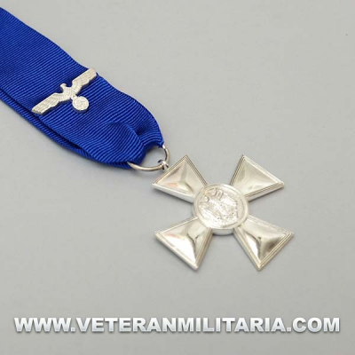 Heer 18 Year Service Medal with Ribbon