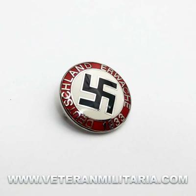 Deutschland Erwache 1933 Party Badge