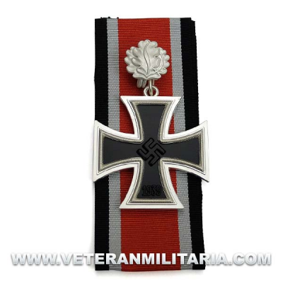 Knight's Cross of the Iron Cross with Oak Leaf 3-piece