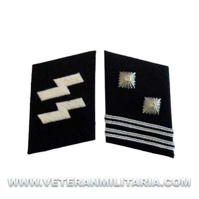 SS Sturmscharfuhrer collar tabs