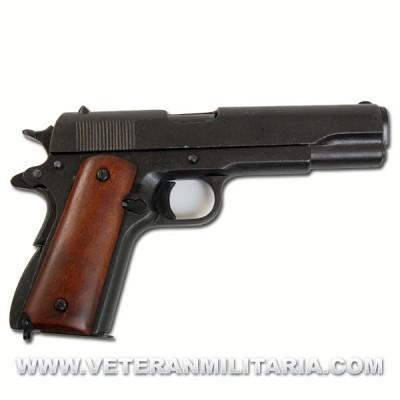 Colt .45 Government 1911. Denix